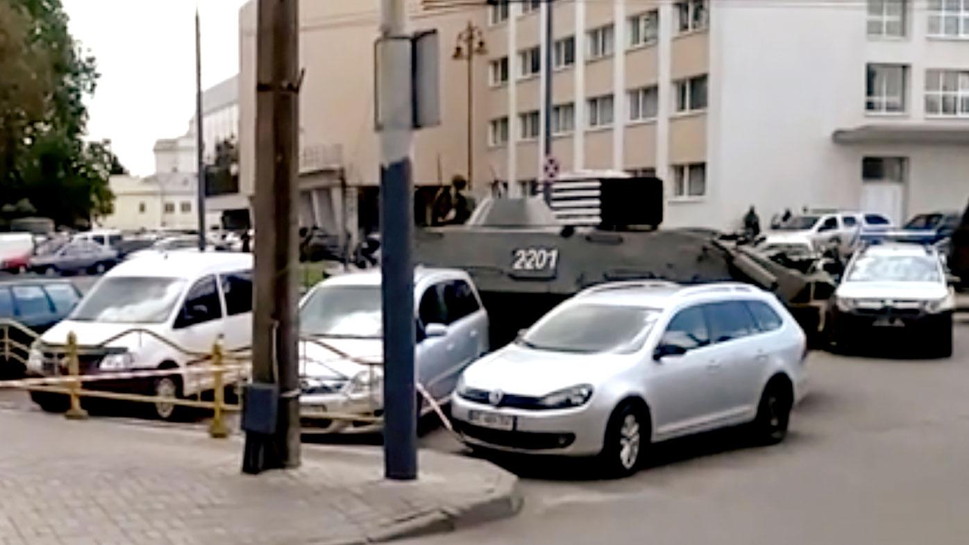 Man seizes bus, takes hostages in Ukraine