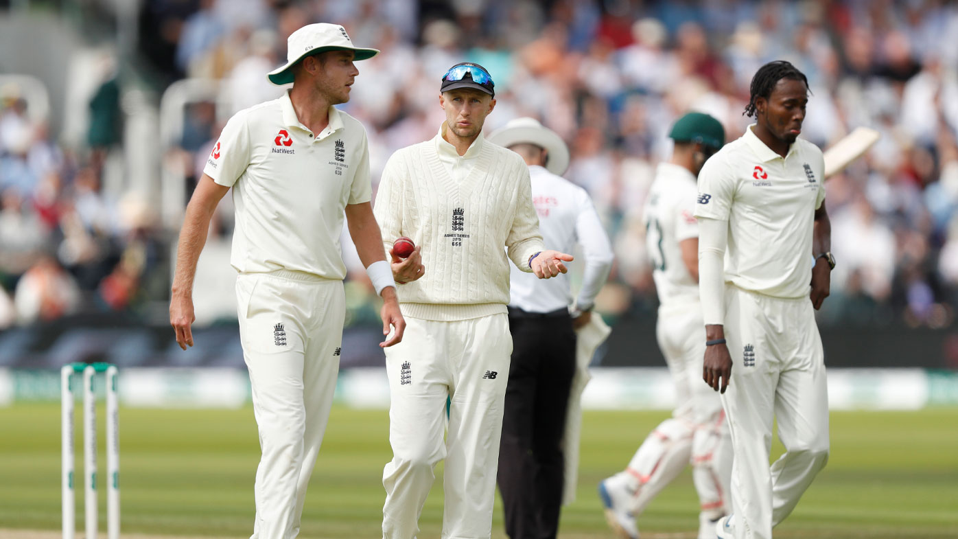 Joe Root consults with Broad and Archer