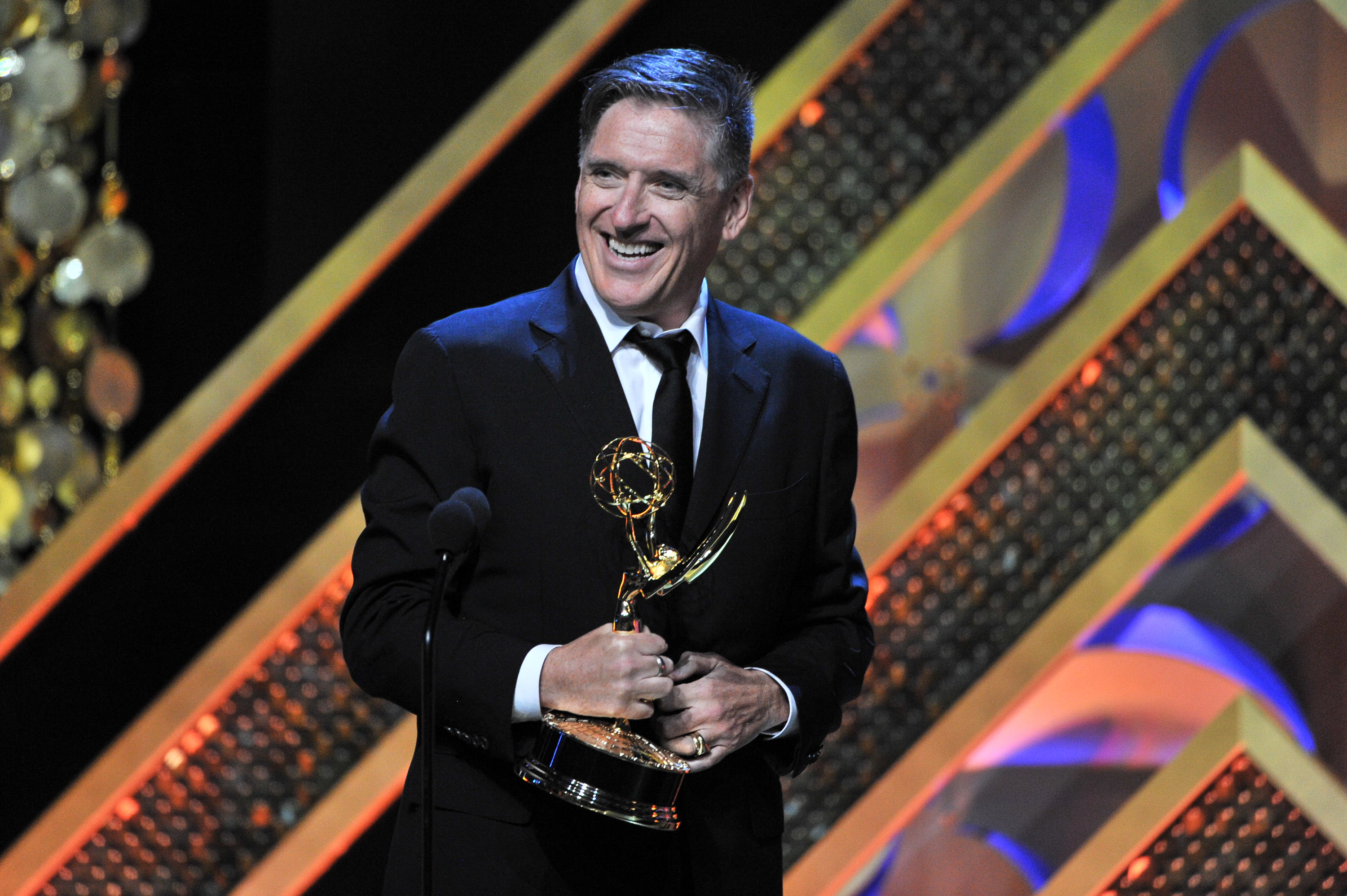 Craig Ferguson accepts the Outstanding Game Show award for Celebrity Name Game at the 42nd Annual Daytime Emmy Awards in 2015.